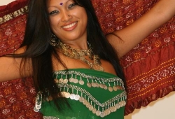 nude-indian-MILF-01